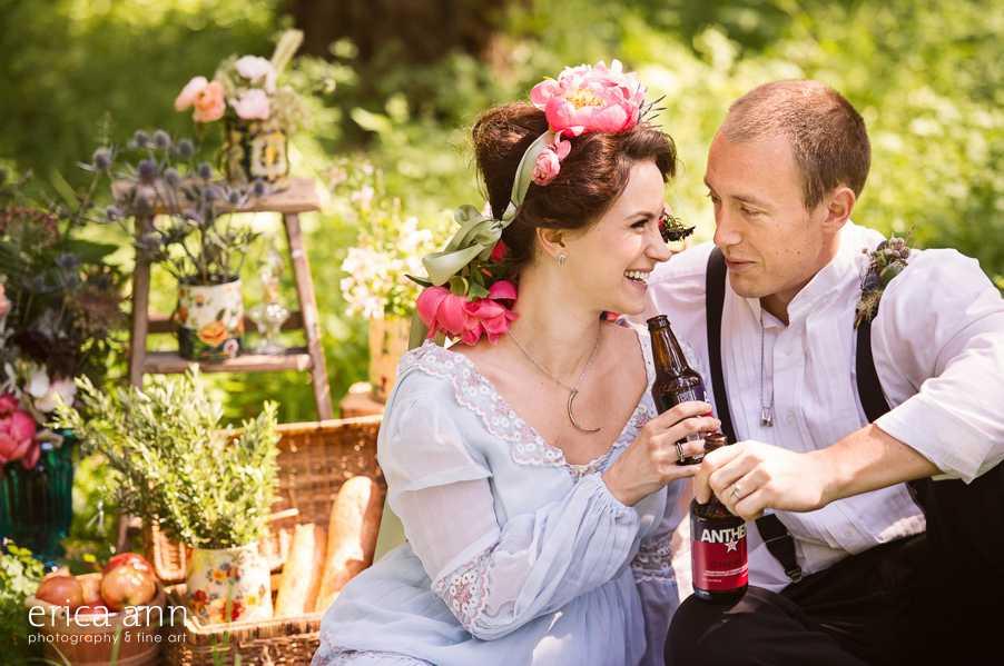 Oregon Trail Wedding Photoshoot