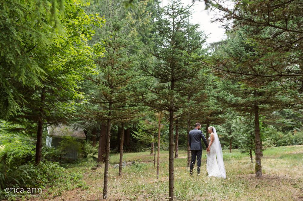 Bride adn groom forest wedding