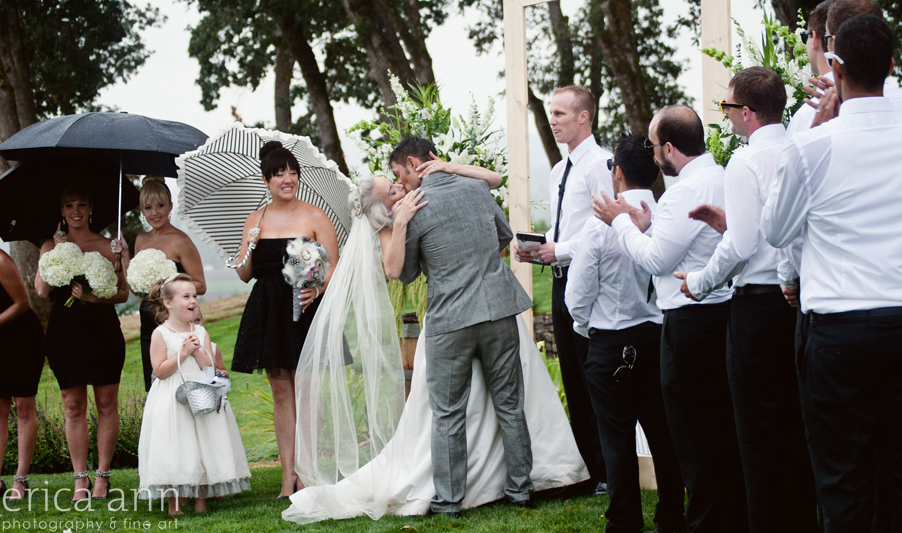 Stoller Vineyard Wedding Rainy Day Wedding Kiss