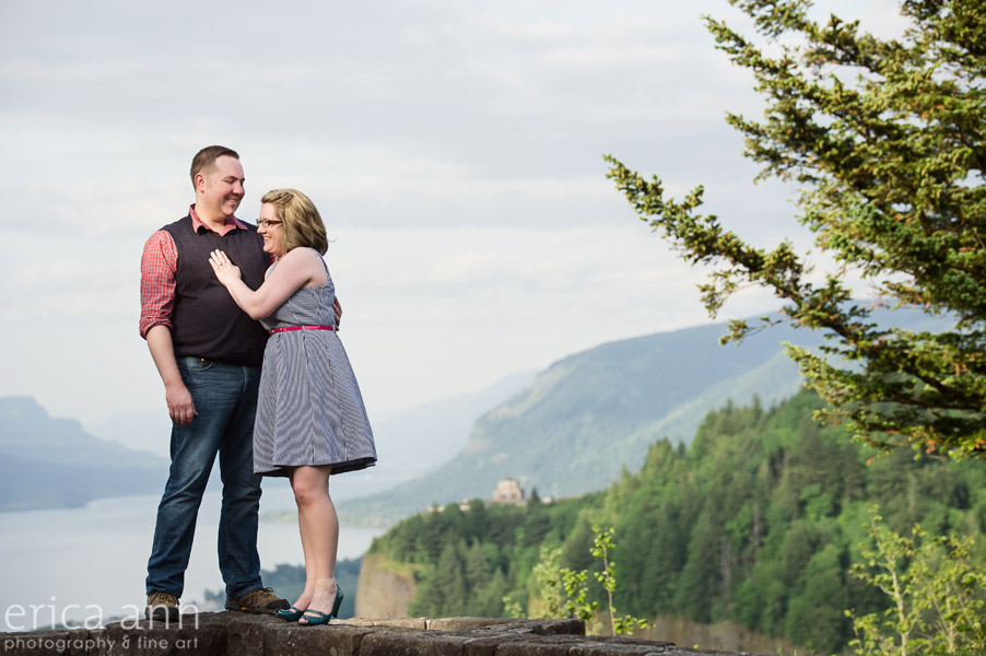 Vista House Gorge Engagement Photography