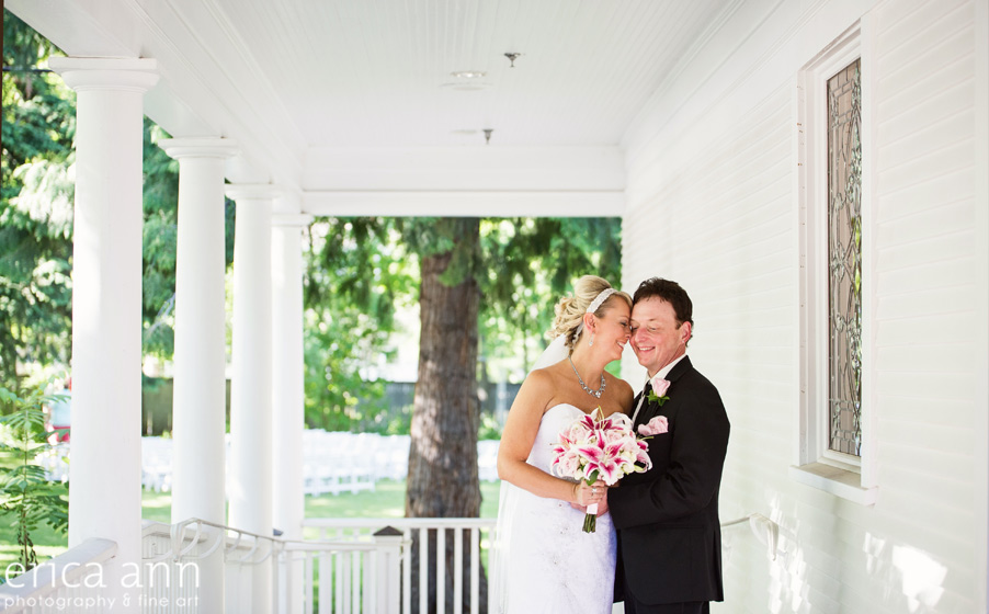 White House Bride and Groom