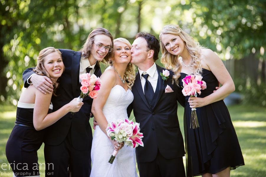 Fun family wedding photos