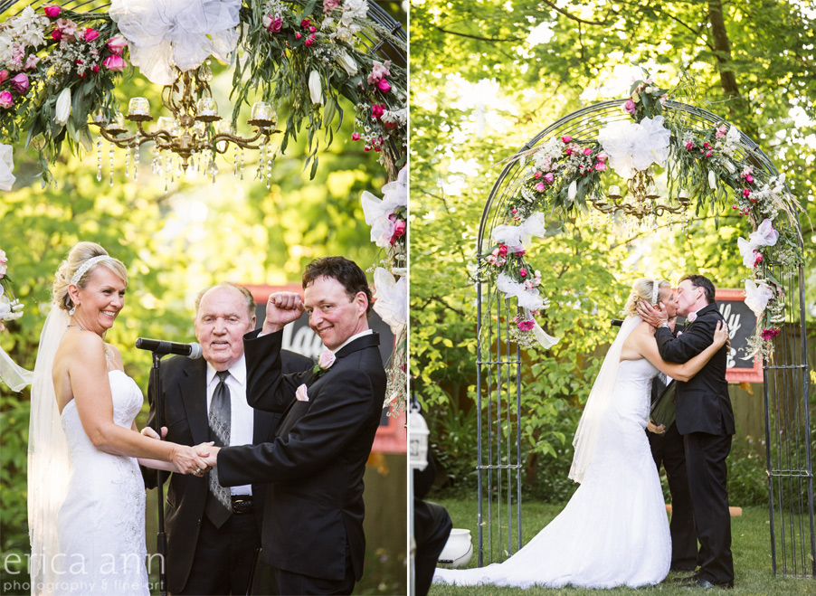 First kiss at the wedding