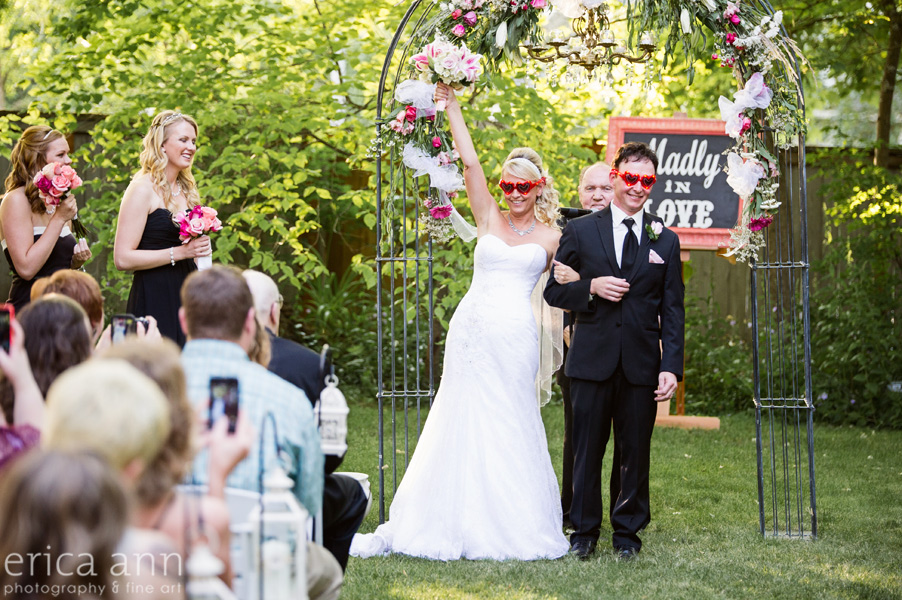 bride and groom married silly glasses